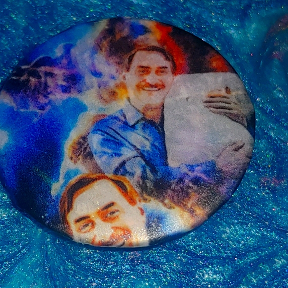 Mike Lindell The Pillow Guy resin button